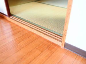 隣室、もしくは廊下と無垢フローリングの段差をなくさなくてよいですか?