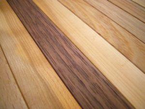 フローリング材は多機能型へ進歩して、厚さも色々