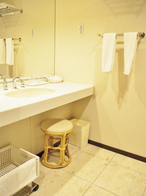 洗面所フローリングリフォームの床材のカラー等の選び方や張替えの費用はいくら?