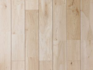 天然木材の長所を活かすなら「単層フローリング(無垢材)」