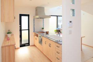 キッチンの床材張り替えに掛かる費用の目安